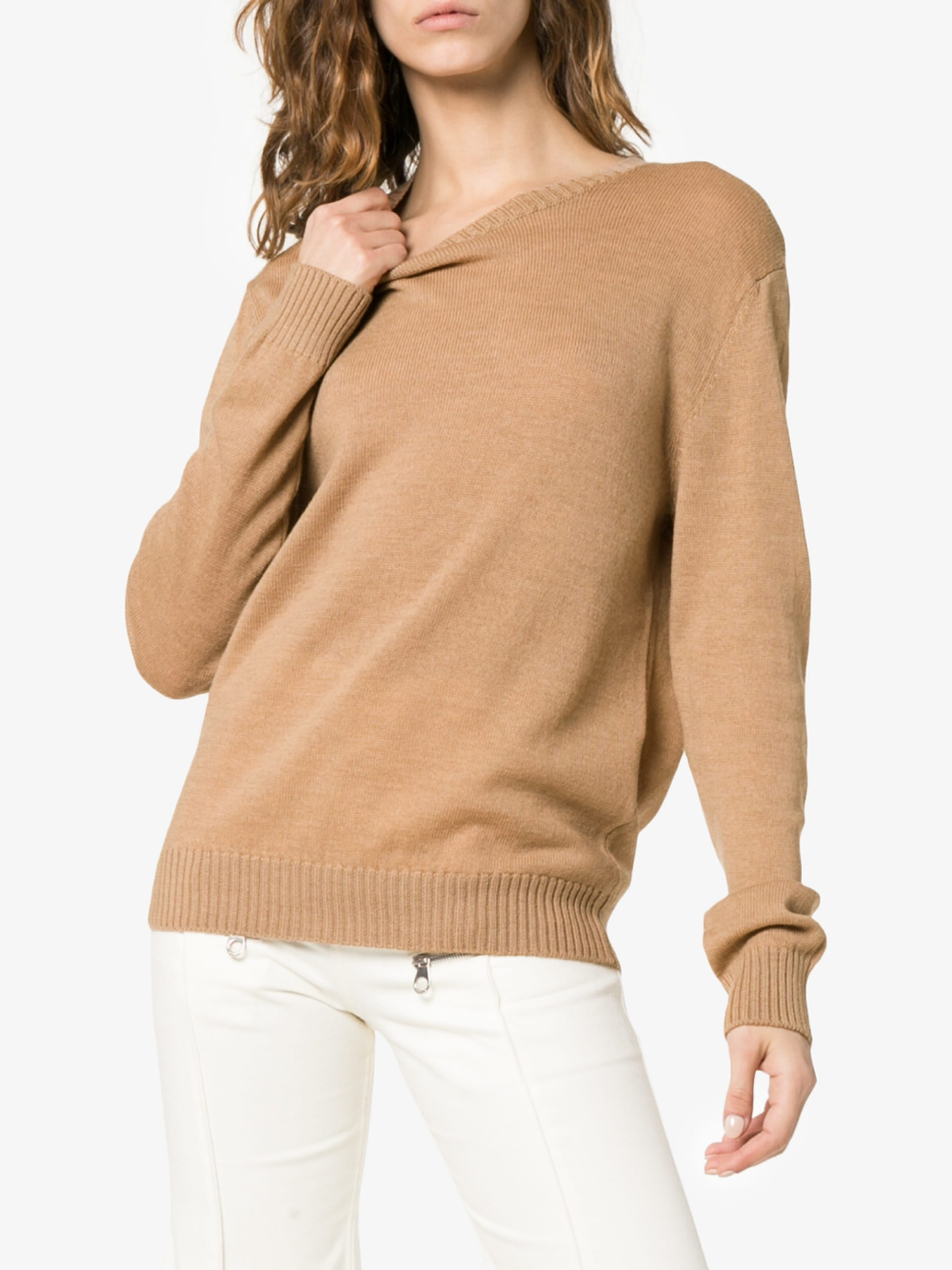 jil-sander-crew-neck-sweater_13353551_15962895_1920